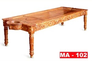 massage table wooden